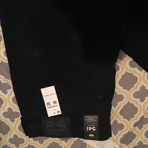 New with tags Men Levi's 541 size 40x32 Dark blue